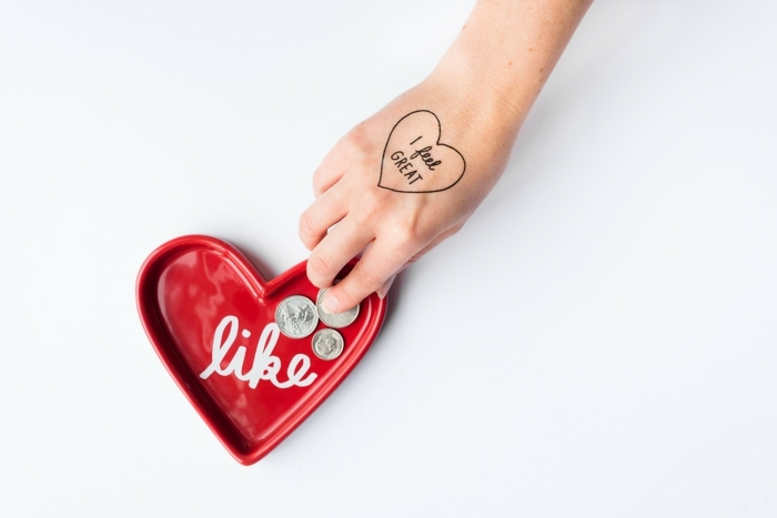 tattoo motive ein tattoo wir d ihnen daran erinnern dass sie sich wohl fühlen und geliebt sind herz