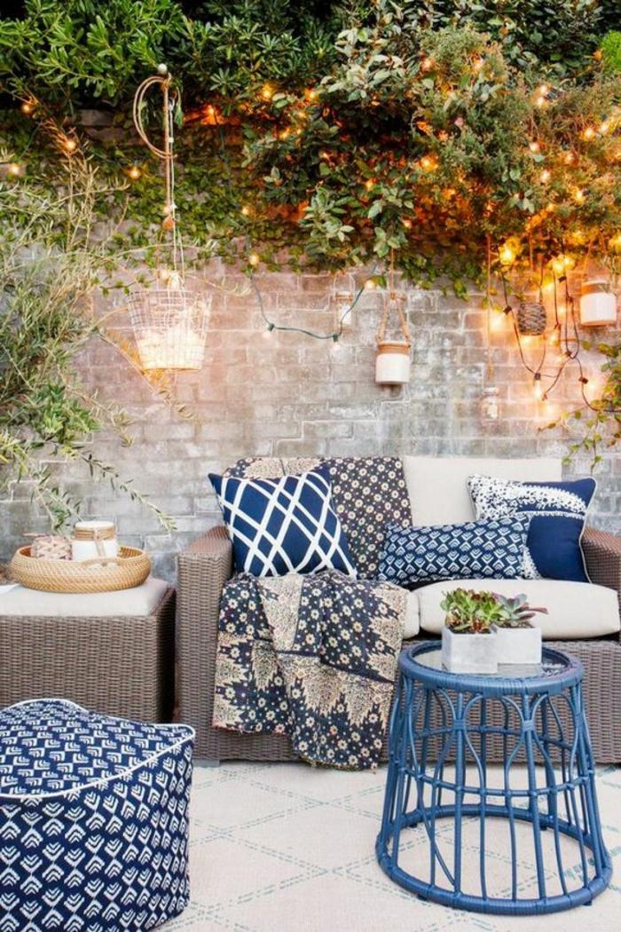 terrassengestaltung ideen dezente moderne und gemütliche einrichtung der terrasse blaue deko
