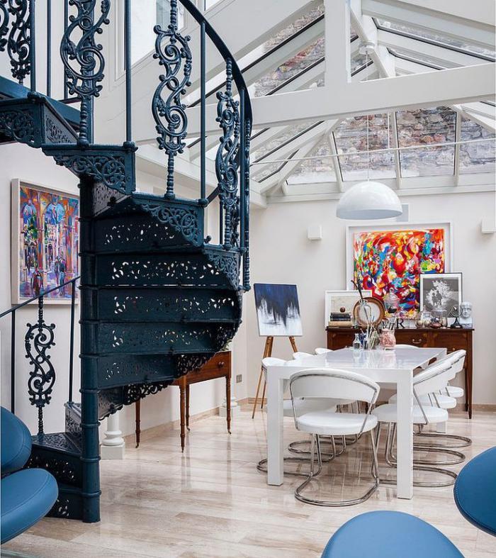 Treppen aus Stahl: Wendeltreppen aus Schmiedeeisen für das Wohnzimmer