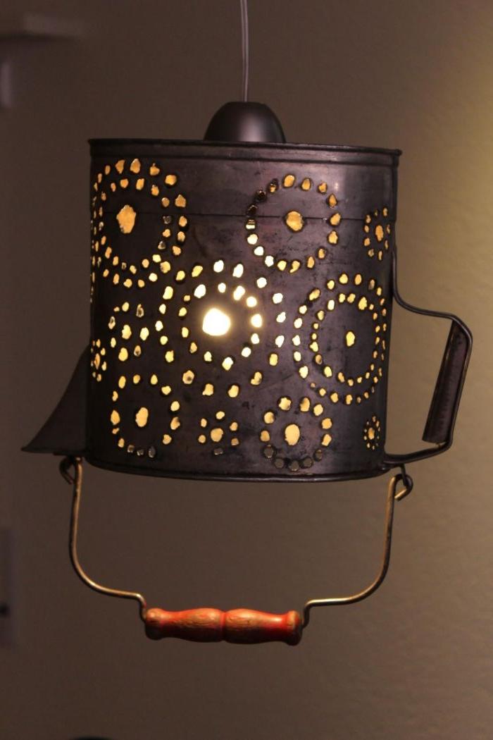basteln mit alten büchern, lampe kreativ gestalten, alte gegenstände wiederverwerten