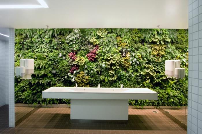 ein vertikal Garten kann man überall pflanzen -warum nicht im badezimmer