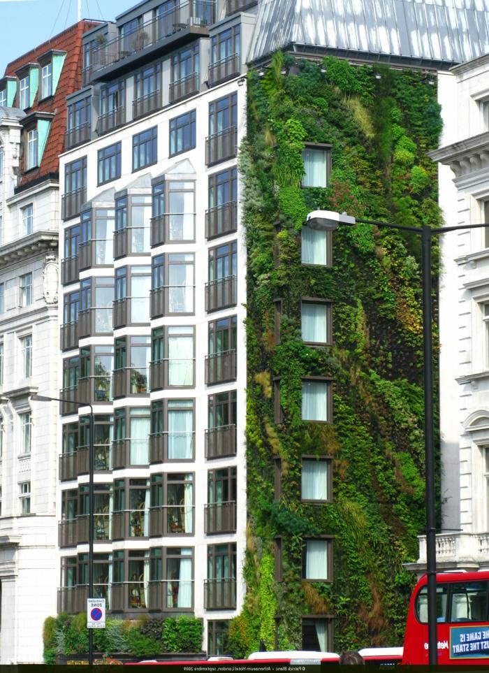 die vertikale Bepflanzung ist letzter Trend in der Architektur