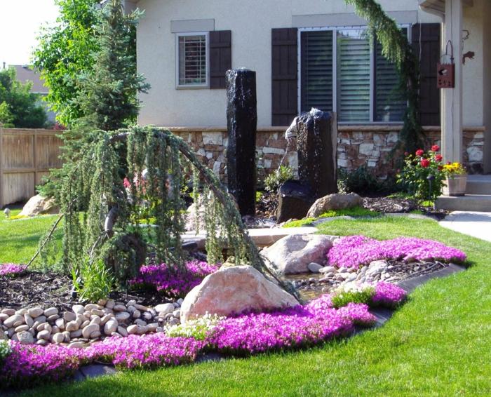 rosa Blumen, Teich, Trauerweide, Steingarten - moderner Vorgarten