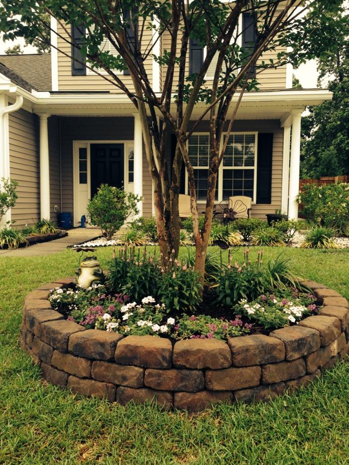 wie ein Brunnen voller Grün dünnen Bäume - Vorgarten Ideen