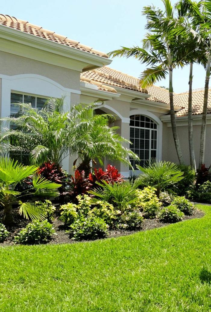 schöne Vorgärten mit so viele verschiedene Pflanzenarten