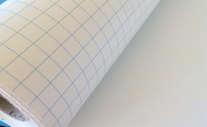 DIY Lampenschirm aus weißer Aufklebfolie auf Rolle