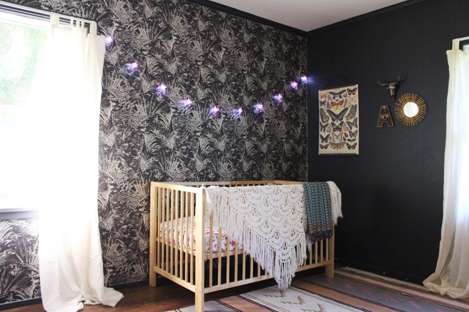 kinderzimmer mädchen, warum nicht in schwarz, dunkle zimmergestaltung für besseren schlaf, gemütlichkeit