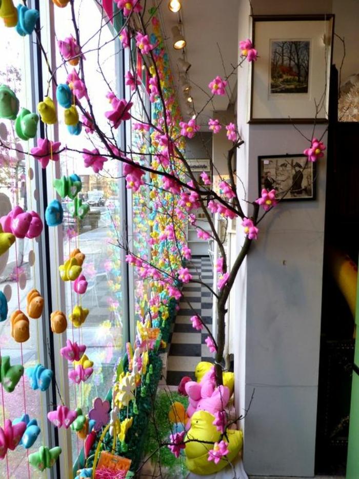 Kunterbunte Fenster Gestaltung für den Frühling und Ostern