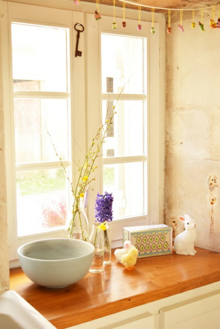 Fensterdeko Ostereier Fensterbank Gestaltung Ostern