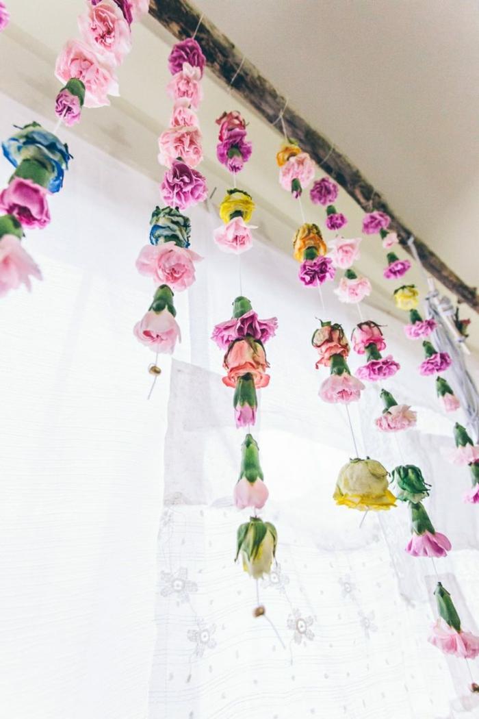 Fensterdeko Ostern oder Frühling liebevoller Blumenschmuck