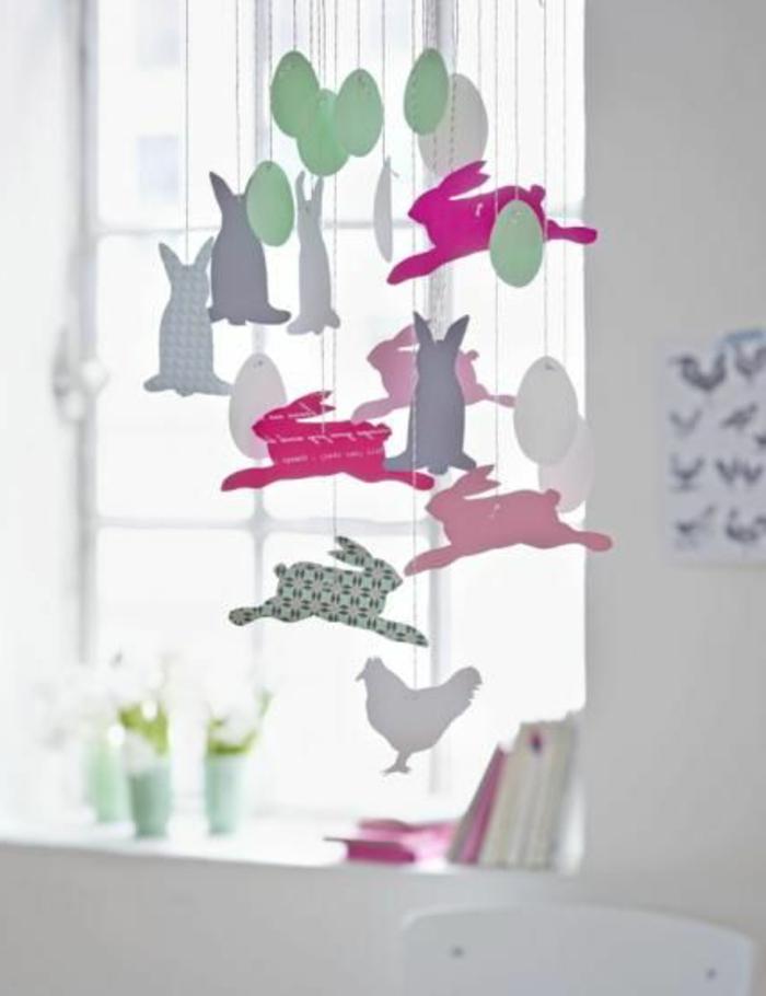 Fensterdeko aus Tonkarton basteln Osterhasen und Ostereier