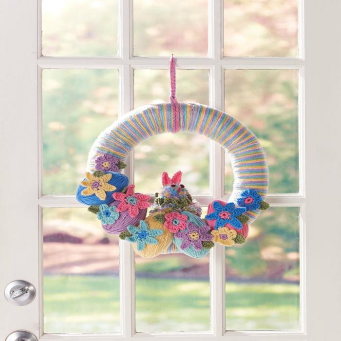 Fensterdeko Osterkranz bunt die Wohnung gestalten