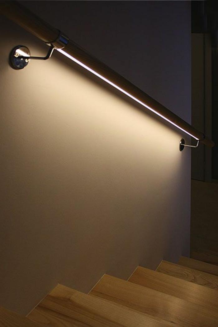 Originelle Wand und Treppen Beleuchtung