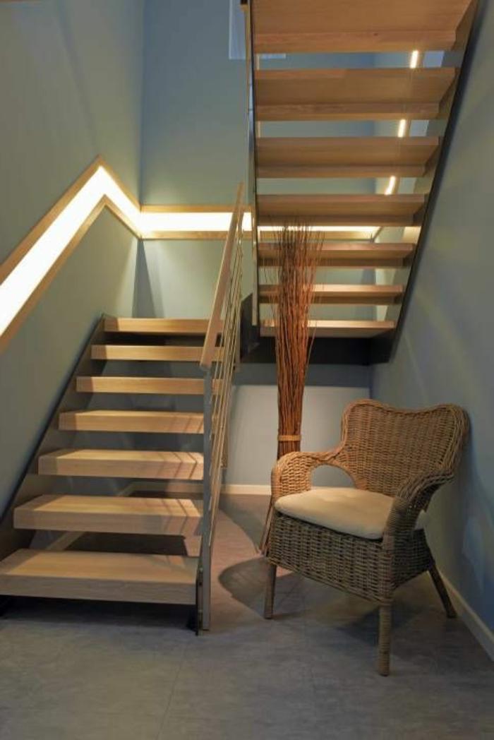 kleiner Treppenbereich Relax-Sessel aus Rattan