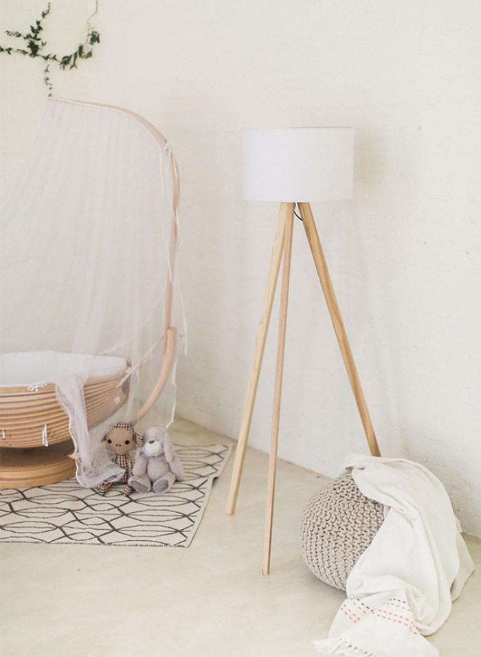 babyzimmer set ideen zum dezenten einrichtung von babyzimmer, bett, teppich, bodenkissen, stehlampe