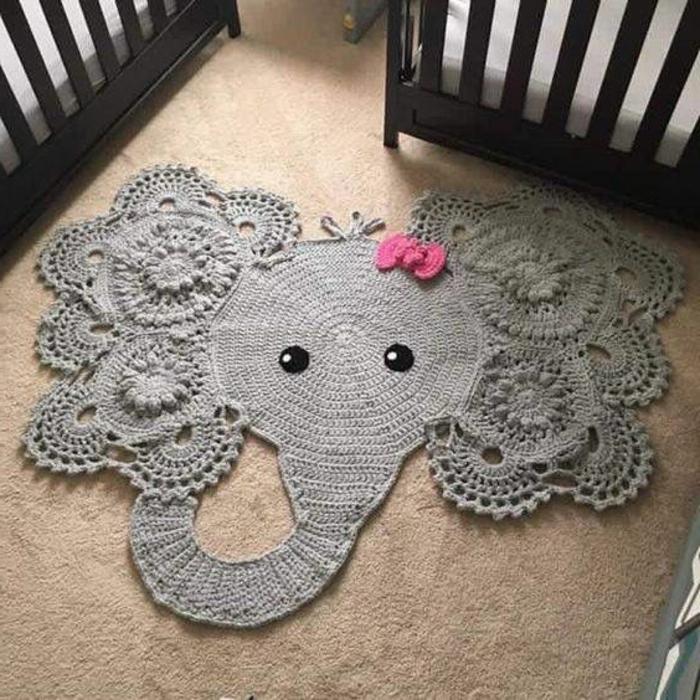 babyzimmer grau rosa elefant dekoration im kinderzimmer mädchen graues tier mit rosa schleife deko