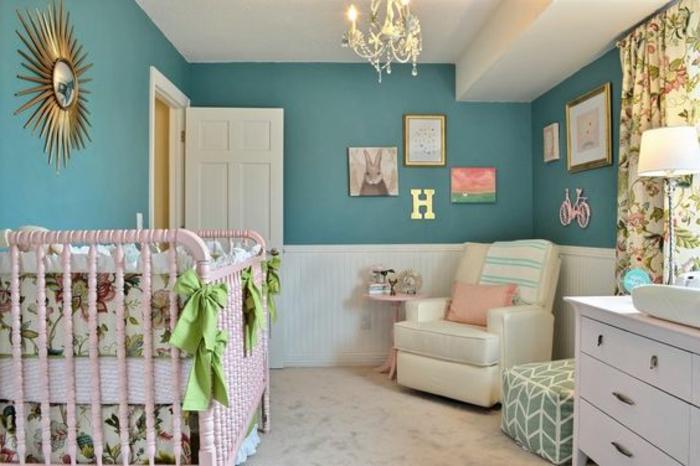 Babyzimmer Mädchen Deko Ideen Für Das Babyzimmer Goldener Spiegel Buchstabe  Grüne Schleifen