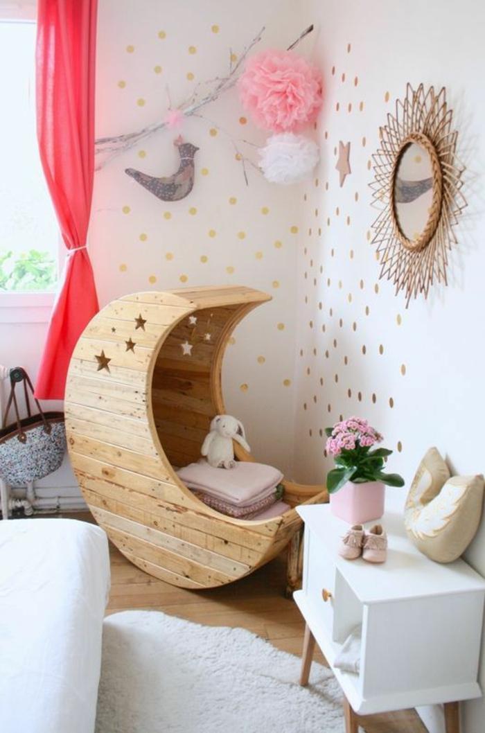 babyzimmer mädchen tolle design ideen spiegel goldene farbe mond form des betts babybett rosa blume taube deko