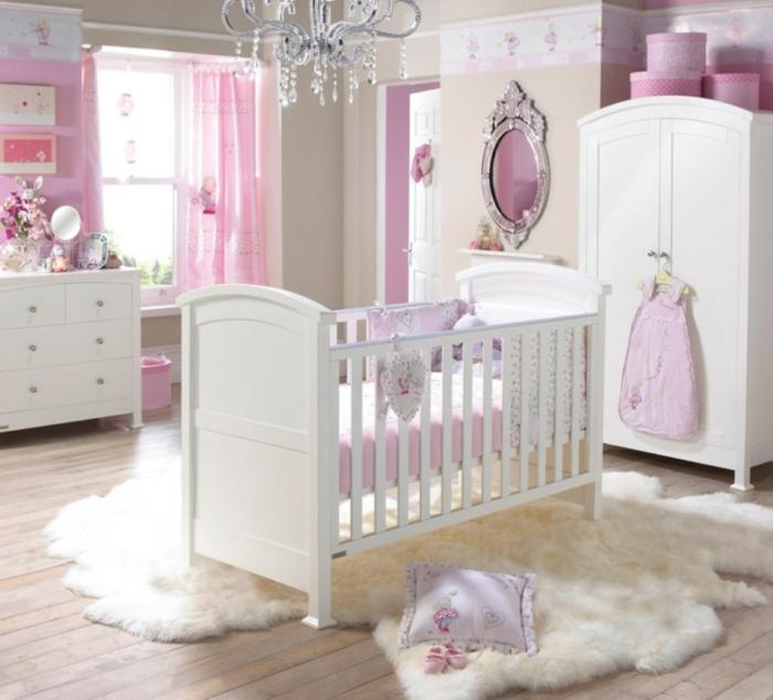 babyzimmer grau rosa gestaltungsideen weiß lila violett pelzteppich bett im zentrum des zimmers design