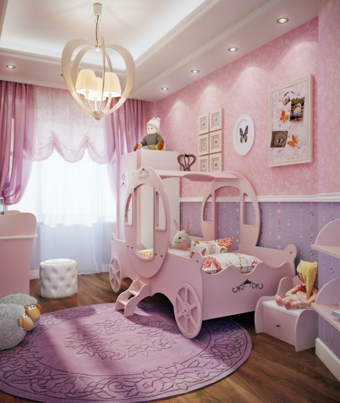 babyzimmer grau rosa gestaltungsideen kutsche im kinderzimmer treppe zimmer prinzessin märchenhafte idee