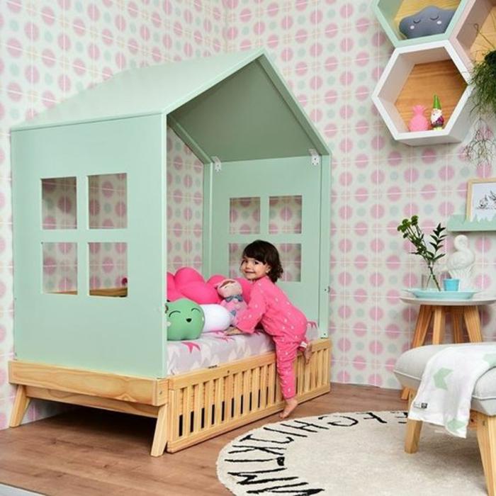 kinderzimmer einrichtung frohe mädchen kleines haus im eigenen zimmer bettgestaltung ideen rosa pijama
