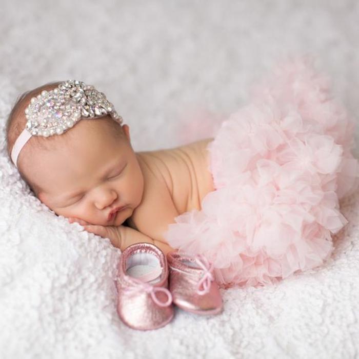 kinderzimmer dekoration baby mädchen ideen bekleidung für kleines süßes baby schlafendes baby pantoffel