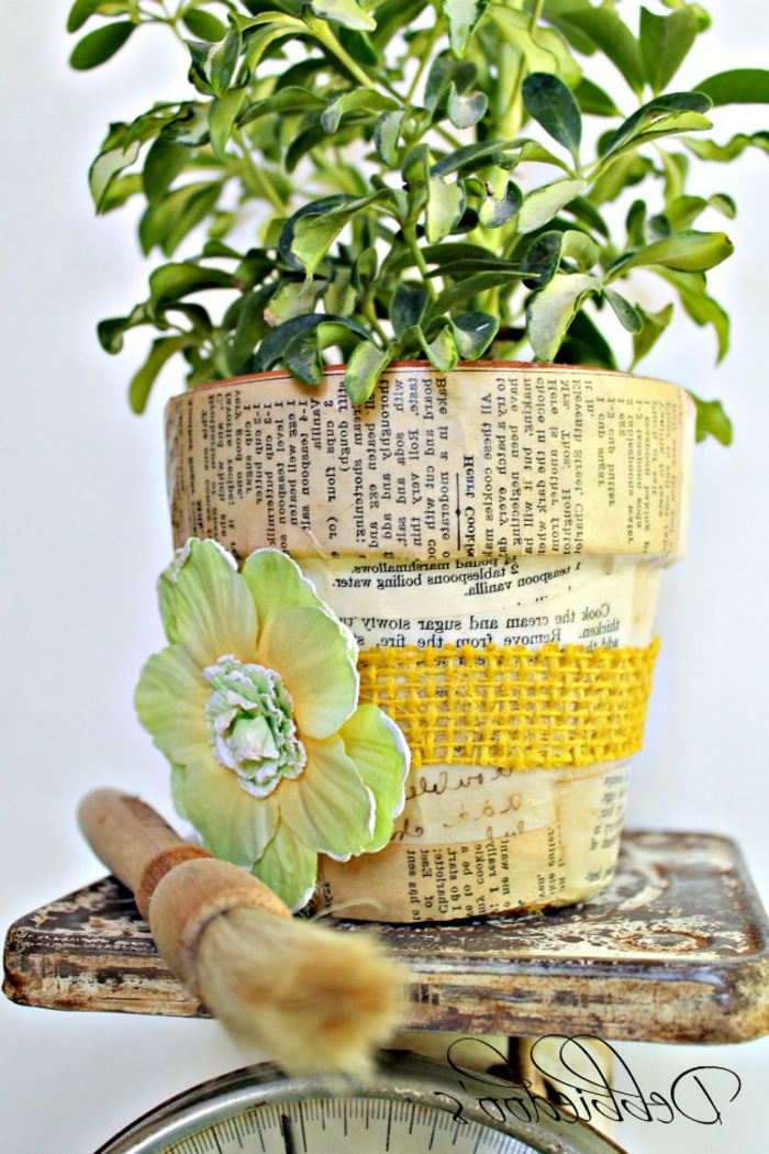 blumentöpfe dekorieren ideen grüne pflanze blume papier sdekorationen farben alte motive ideen