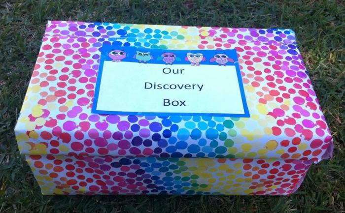 Basteln mit Karton, wo die Kleinen ihre Entdeckungen aufbewahren können - bunt