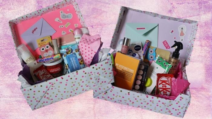 zwei Geschenke für kleine Mädchen vollen viele Gegenstände - Basteln mit Karton