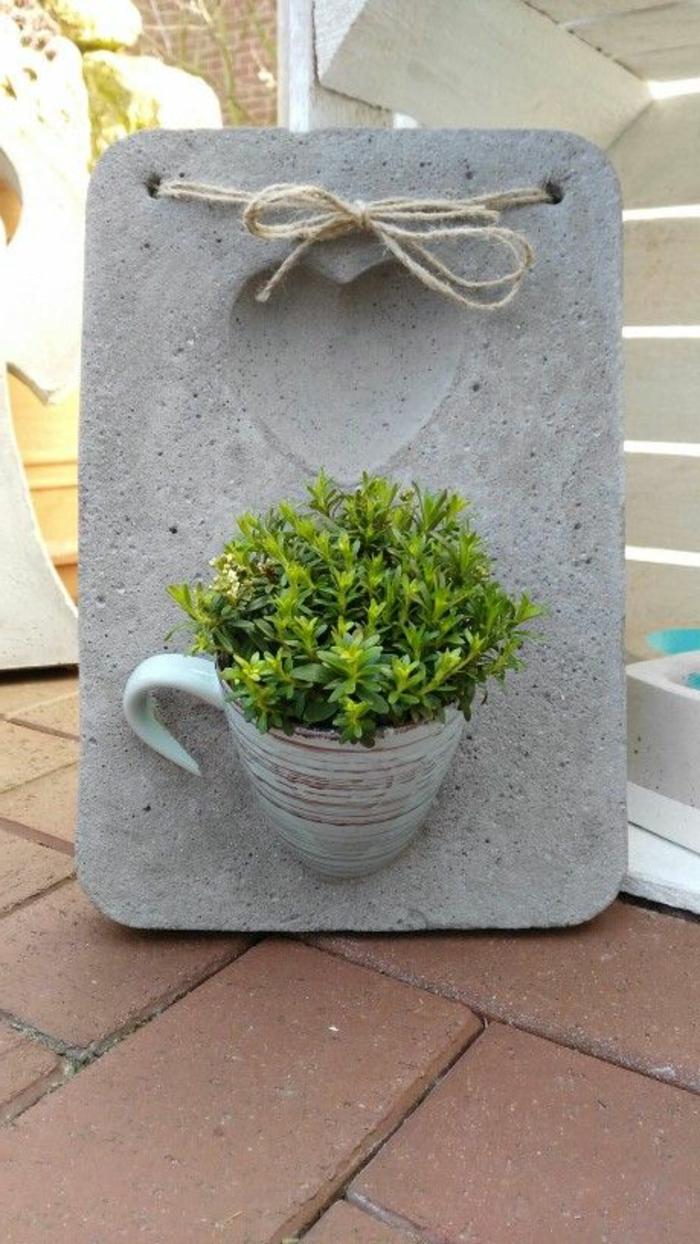 diy gartendeko, herz, leinenschnur, tasse, pflanze
