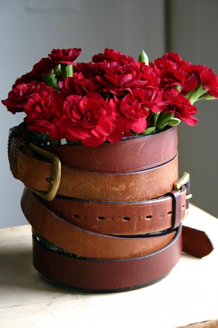 blumentöpfe selber machen schöne gestaltungsidee dekoration für blumentopf aus gürten idee deko blume rot
