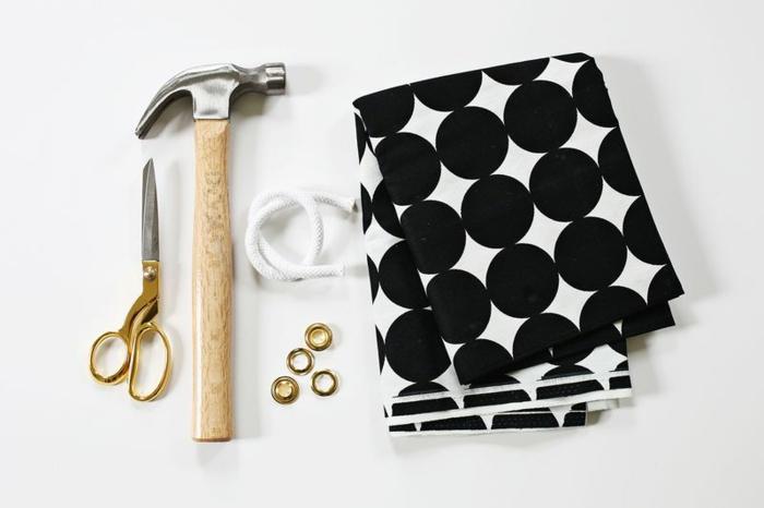 blumentöpfe blumentopf basteln was braucht man um einen blumentopf selber zu gestalten deko schere schleife stoff u.a.