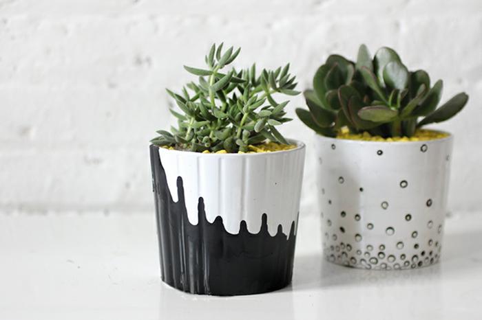 blumentöpfe blumentopf basteln bastelidee in schwarz und weiß pflanzen anpflanzen perlen gestaltung ideen