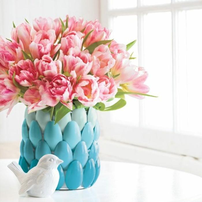 blumentöpfe bemalen einzigartiges design in blau für blumentopf rosa und orange blumen vogel ideen deko