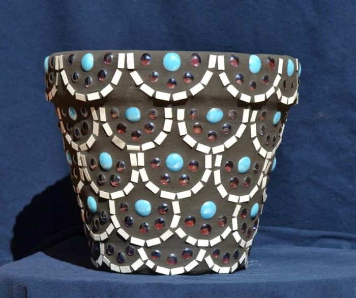 blumentopf keramik schwarz blau orange braun farben für perlen dekoperlen für töpfe blumentopf design