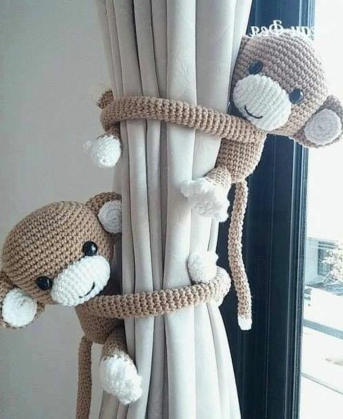kinderzimmer gestaltung zwei tolle affen haben spaß zusammen am fenster deko für fenster babyzimmer