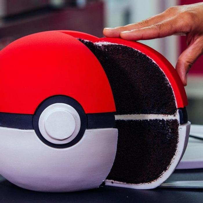 ein großer roter pokeball - noch eine tolle idee für eine schoko pokemon torte