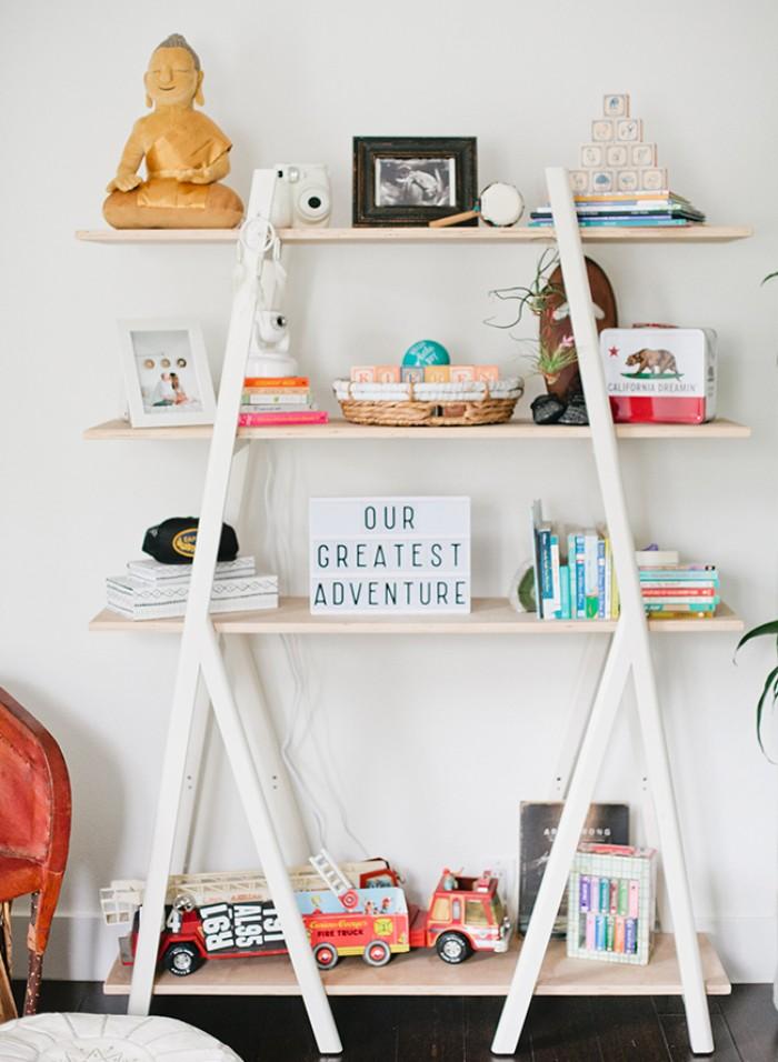 kinderzimmer komplett, ideen zum dekorieren und ordnen, regal auf mehrere stöcke, deko im babyzimmer