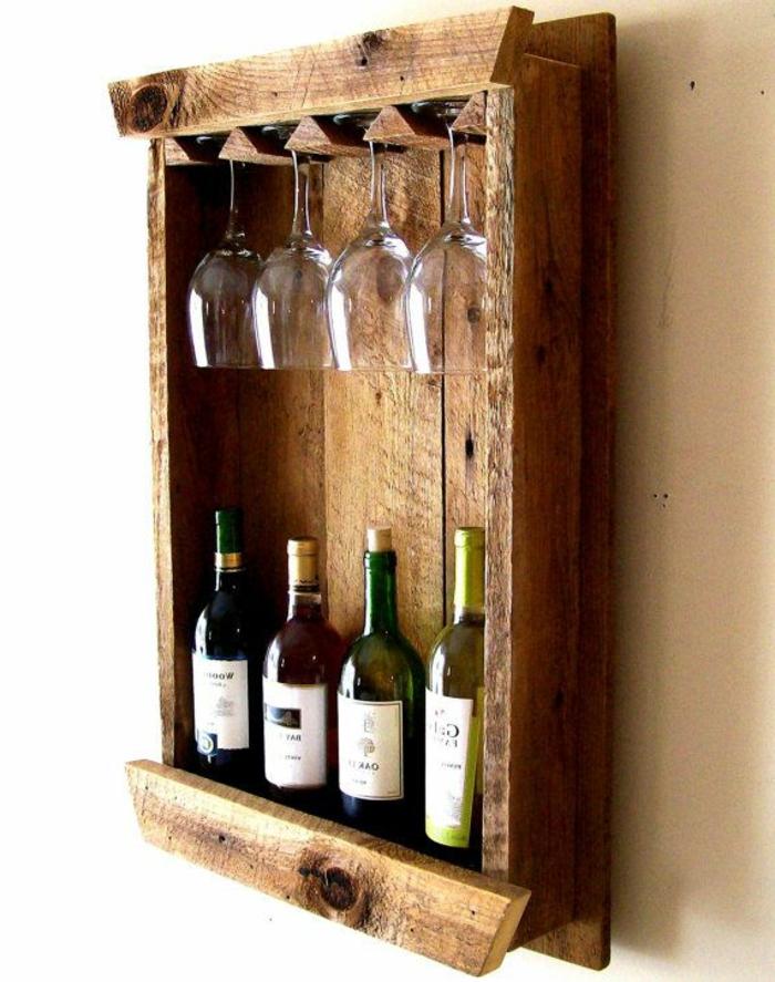 weinregal selber bauen ideen vier weinflaschen und vier weingläser flasche für jedes glas paletten möbel