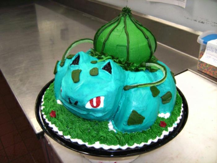 ein blaues wütendes pokemon wesen mit roten augen - noch eine idee für eine blaue pokemon torte