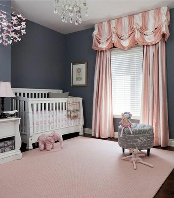 kinderzimmer gestaltung vorhänge weiß rosa hocker elefant rosa dekoration lampe bett weiß möbel im zimmer