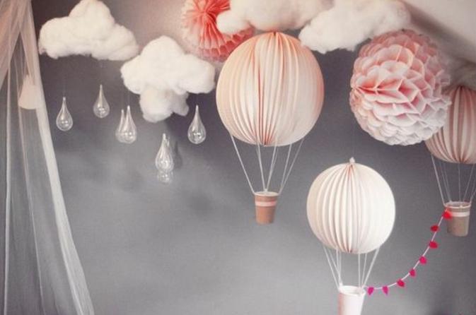 babyzimmer dekoration balloons wolken dekoration selber machen kaffeetassee graue wand ideen wolken