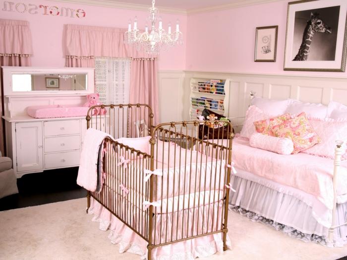 babyzimmer dekoration rosa zimmer für das baby mädchen gestalten ideen schleifen giraffe bild großes bett