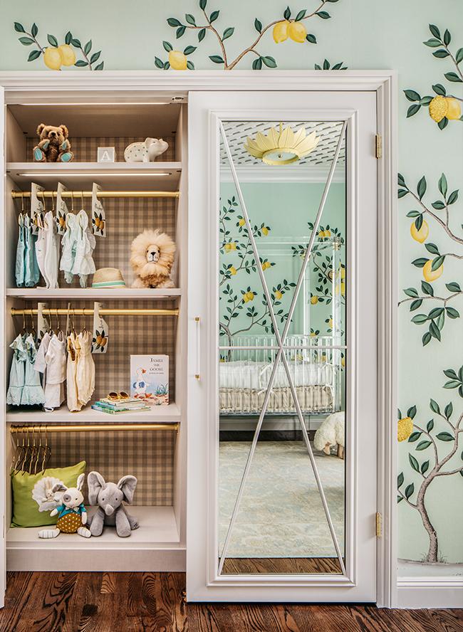 babyzimmer komplett mit den dekorationen, grünes design, deko ideen, spiegel, schrank