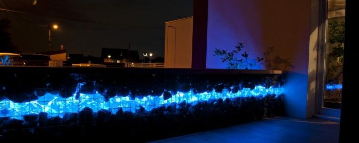 stein, glas, licht, gabione mit led beleuchtung, türkis glas, steinkorb