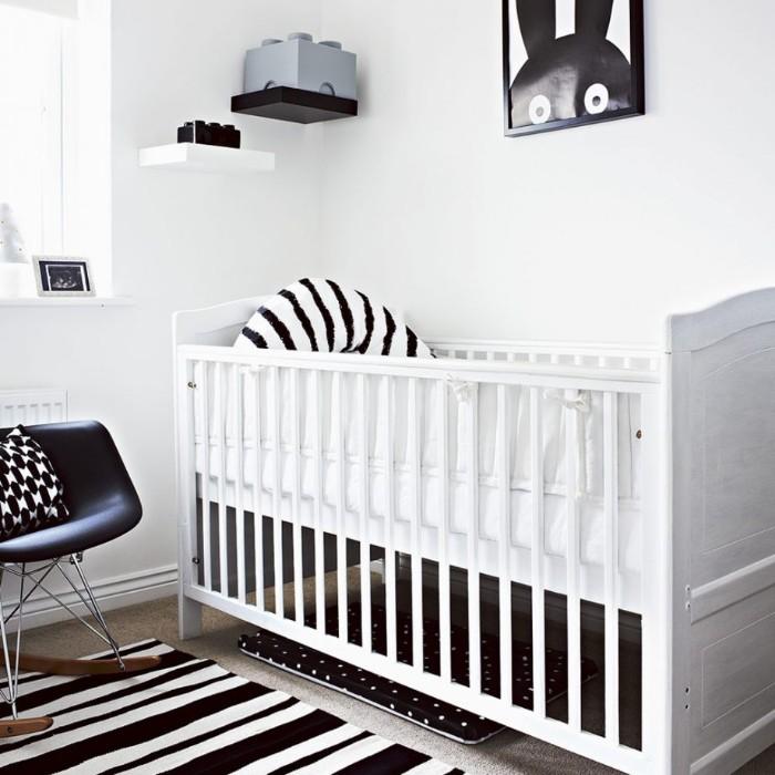 babyzimmer komplett set, schwarz und weiß babyzimmer idee, wanddeko mit hase