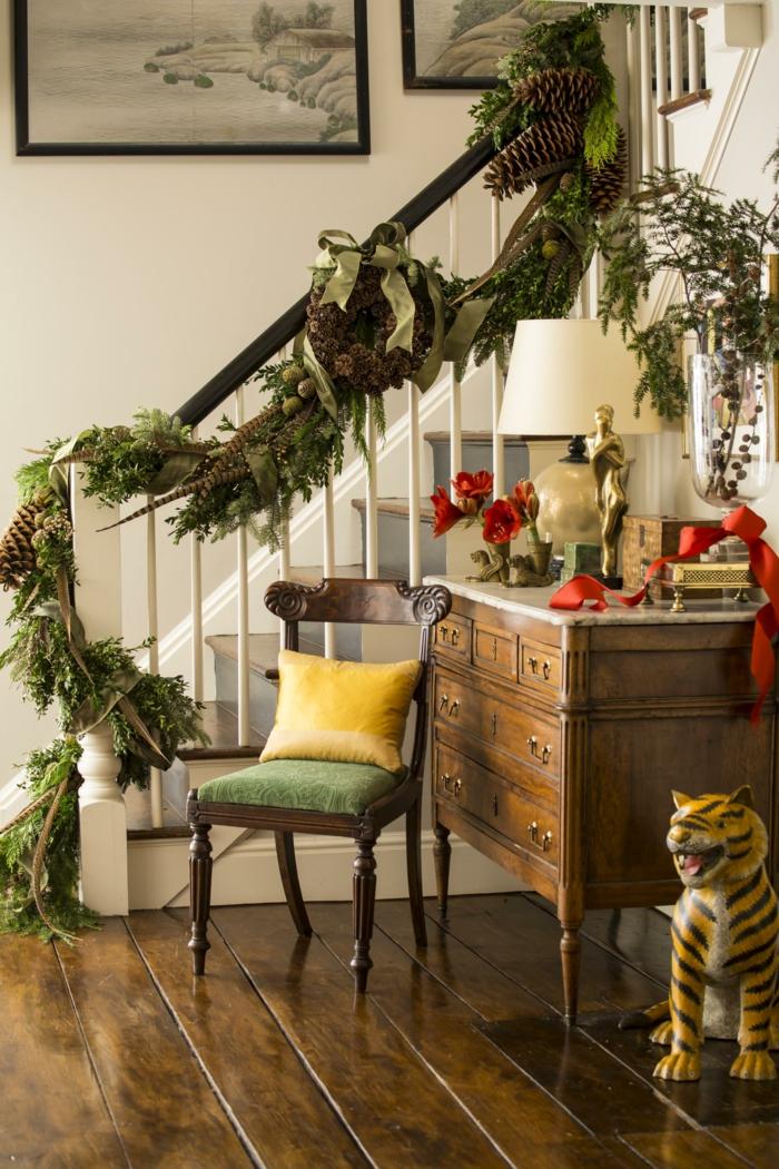 Treppenhaus Ideen - Dekoration zu Weihnachten zu fröhliche Stimmung Weihnachtskranz