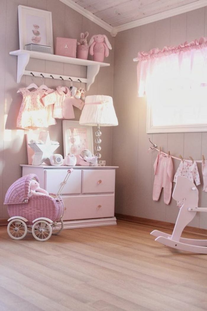 babyzimmer dekoration rosa farbe lampe kinderzimmer spielzeuge baby mädchen schrank klamotten