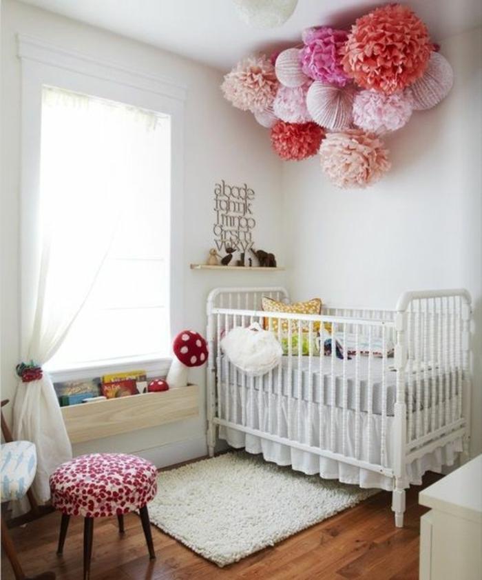 kinderzimmer idee bunte dekoration im kinderzimmer papierbälle deko bunt lustig und schön bett design