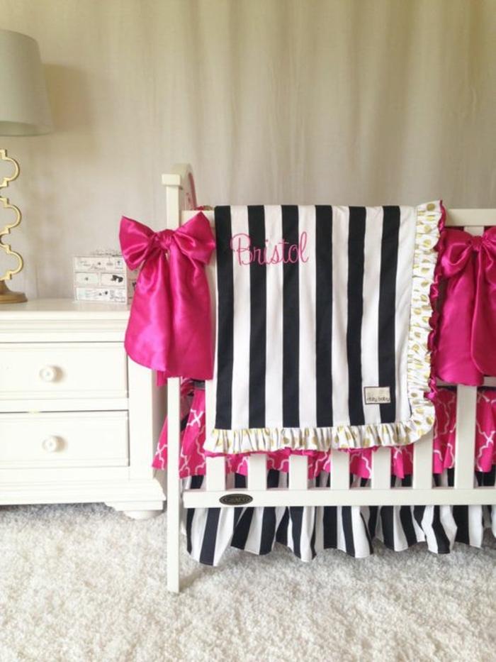 kinderzimmer idee weiße möbel im kinderzimmer lampe schwarz weises deko rosa schleifen mädchen zimmer